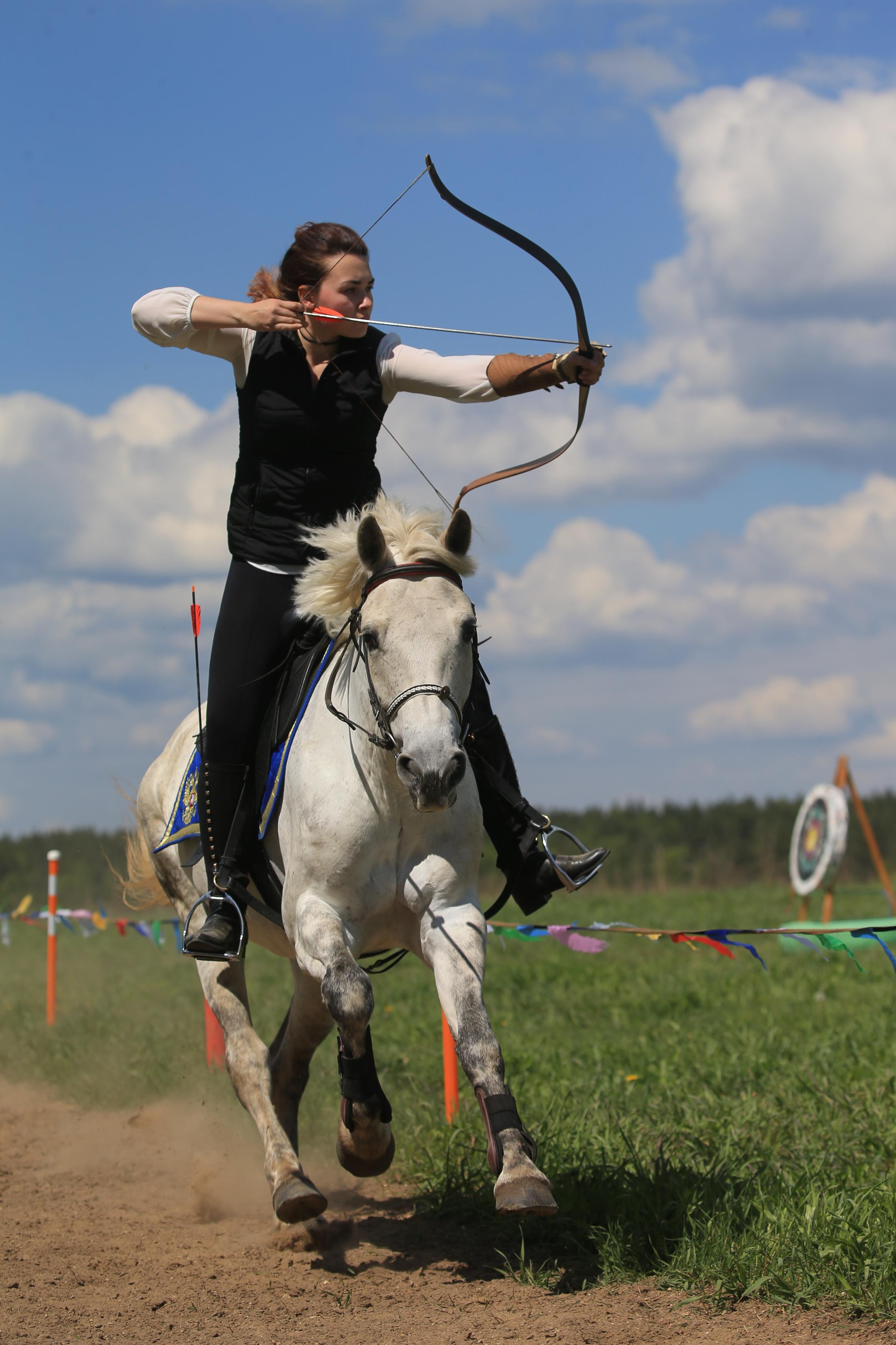 Первый Чемпионат России по конной стрельбе из лука